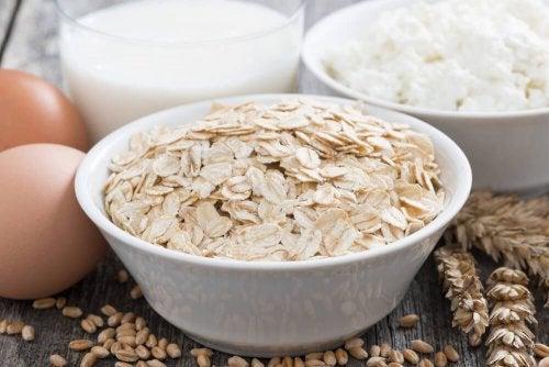 Naturprodukte zur Feuchtigkeitspflege: Hafer und Ei