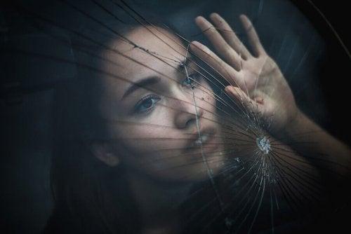 Schmerz bewältigen hoffnungslos gebrochenes Herz