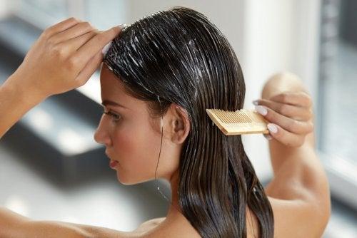 Mit Zucchini und Honig das Haar mit Feuchtigkeit versorgen
