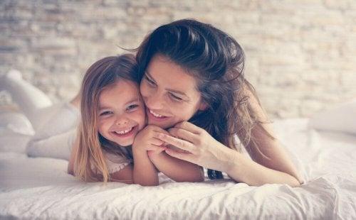 Die Intelligenz wird von der Mutter vererbt, aber auch die emotionale Verknüpfung ist wichtig