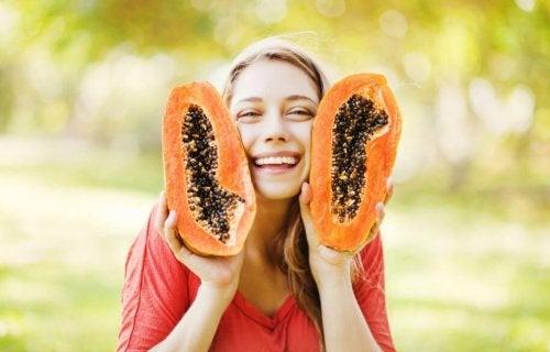 7 Gründe, warum du Papayakerne essen solltest