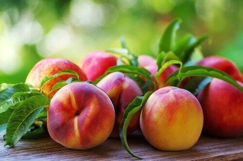 Früchte die deinem Körper Feuchtigkeit spenden - Pfirsich