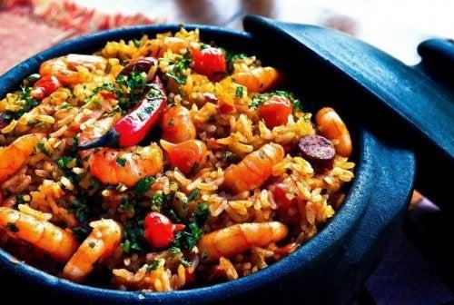 Köstliches Rezept für chinesischen Reis und Shrimps