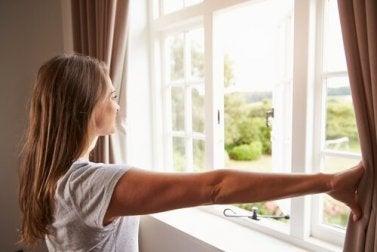 Tipps für saubere Fenster: sehr dreckige Fenster putzen