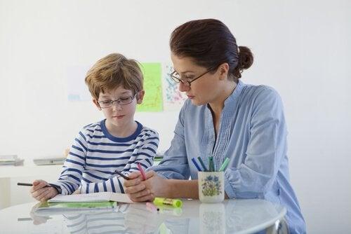Gutes Benehmen bestärken, wenn deine Kinder aufsässig werden