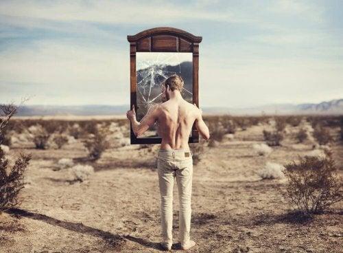 zerbrochener Spiegel deines Selbst