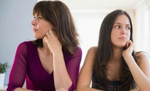 Das Alter kann eine Rolle bei Symptomen von Menorrhagie spielen.