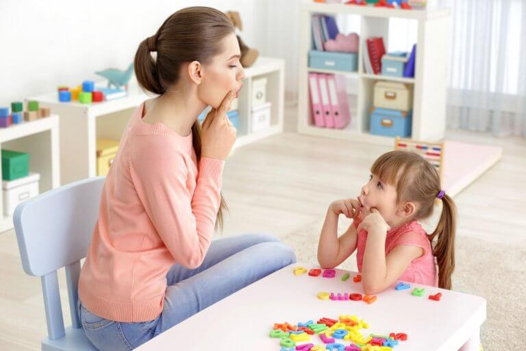 4 Übungen für Kinder mit Sprachproblemen