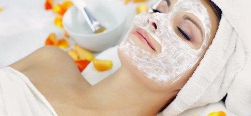 Feuchtigkeit - Peeling-Masken