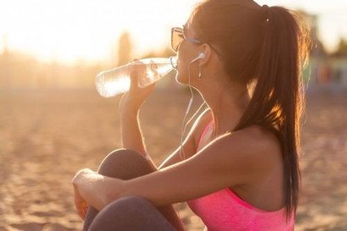 viel Wasser trinken für deine Haut