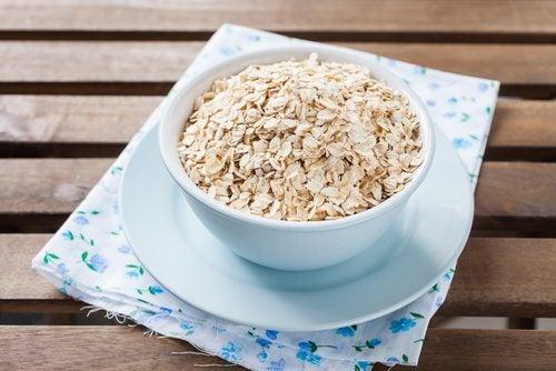 Glutenfreie Lebensmittel gibt es, beispielsweise Haferflocken.