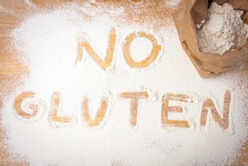 Glutenfreie Lebensmittel gibt es auch als Mehl.