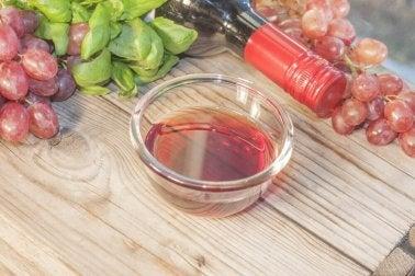 Mache leckere Marinaden aus Rotwein