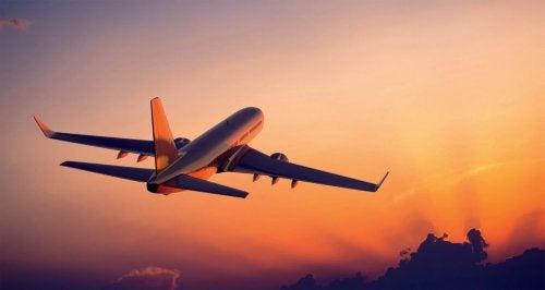 Man sollte sich über Flugzeuge informieren um Flugangst zu bekämpfen