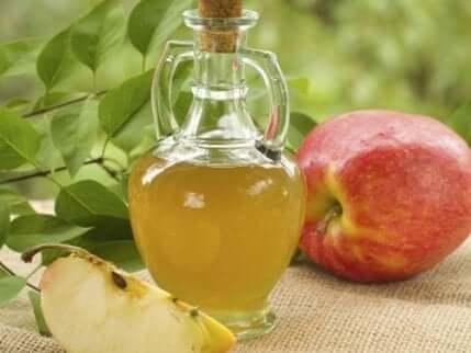 Apfelessig gegen Kopfpilz