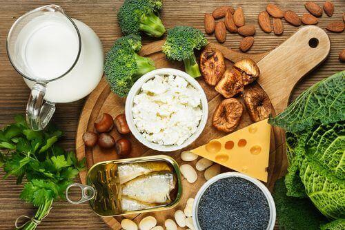 Kalziumkonsum steigern, um Osteoporose vozubeugen