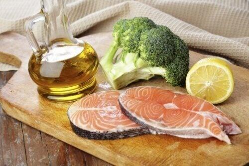 Omega-3-Fettsäuren, um Cholesterin natürlich zu kontrollieren