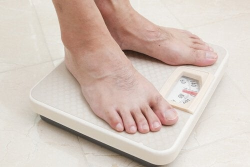 Gesundes Gewicht beibehalten, um Osteoporose vorzubeugen