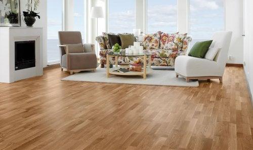 Kratzer auf dem Boden loswerden: Holzböden