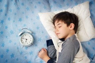 Kind ist zu spät ins Bett