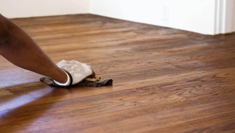 Wie du Kratzer im Boden ganz einfach loswerden kannst