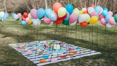 Luftballons im Garten
