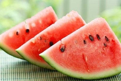 Gesunde Getränke zum Abnehmen mit Wassermelone