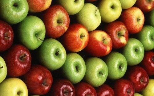 ein grüner Apfel oder roter Apfel?