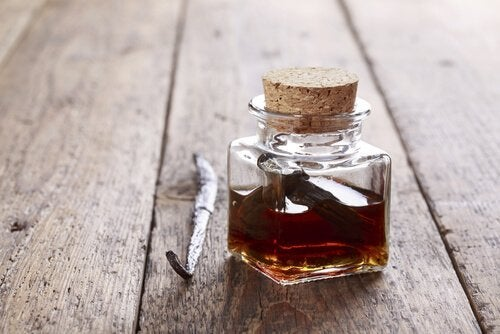 ätherische Öle aus Vanille für Aromatherapie