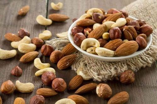 Nüsse erhöhen gutes Cholesterol