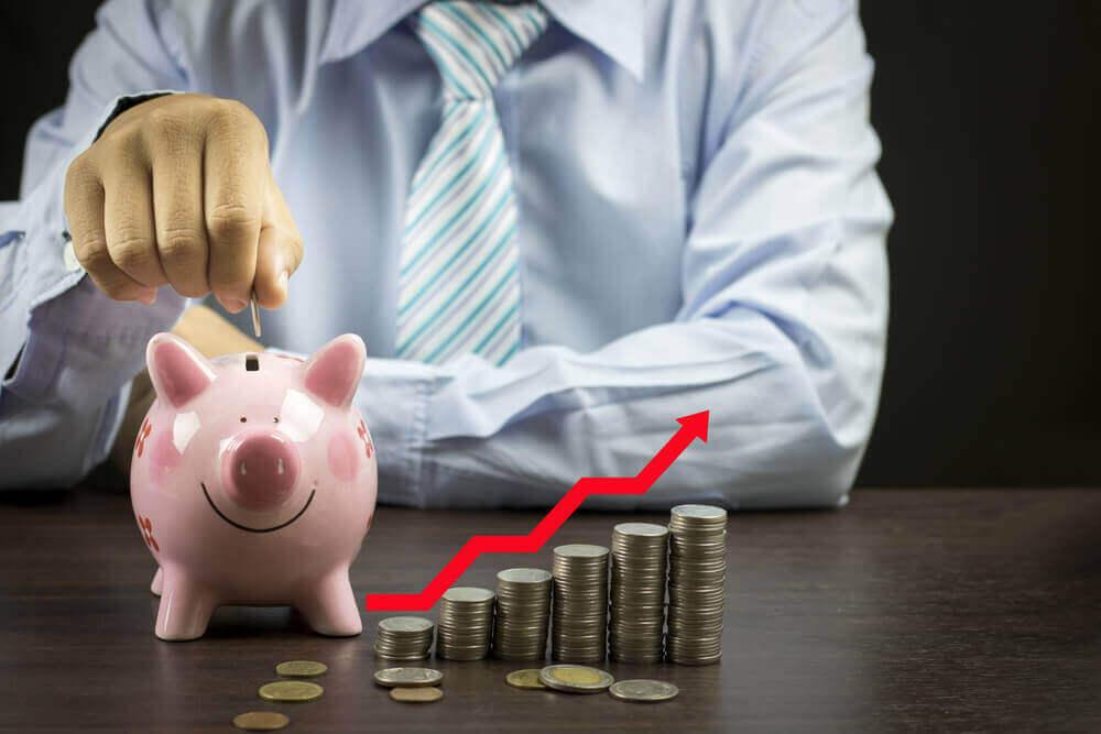 4 einfache Wege jeden Monat Geld zu sparen