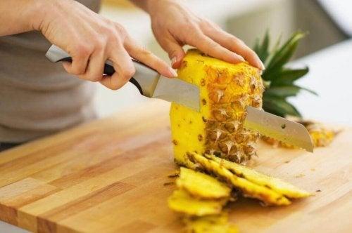 Papaya und Ananas kombinieren
