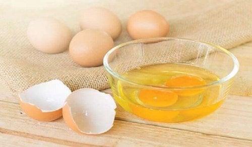 Ei und Kokusnussöl als natürliche Haarpflegemittel für deine Haare