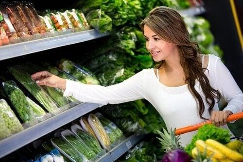 Einkauf Gemüse gesund mit knappem Budget