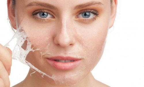 Gesichtshaare entfernen mit Eiklar und Maisstärke