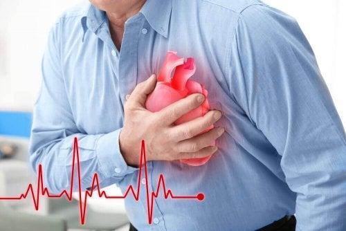 5 Hinweise auf einen Herzinfarkt