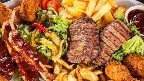 einen Herzinfarkt durch ungesundes Essen auslösen