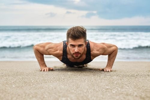 Etwas von beidem ist wichtig bei einem Trainingsplan ohne Muskelhypertrophie