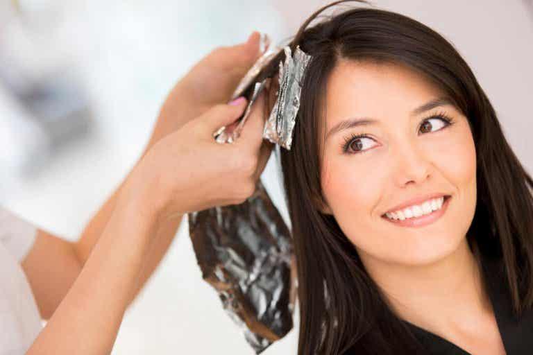 Haarfarbe von der Haut entfernen