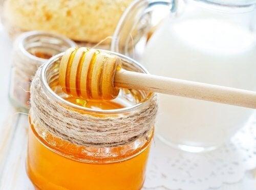Honig macht jugendliche Haut