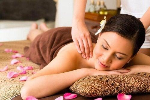 Massagen befreien dich von Giften.