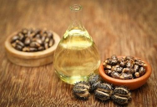 Rizinusöl ist ein alt bekanntes Hausmittel gegen Spliss