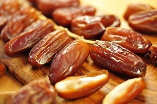 Trockenfrüchte und Nüsse machen schlank