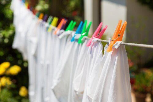 Hauswirtschaft: Wäsche aufhängen