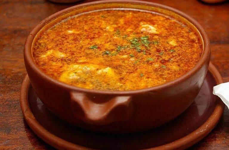 Spanische Knoblauchsuppe: ein leckeres, gesundes Rezept