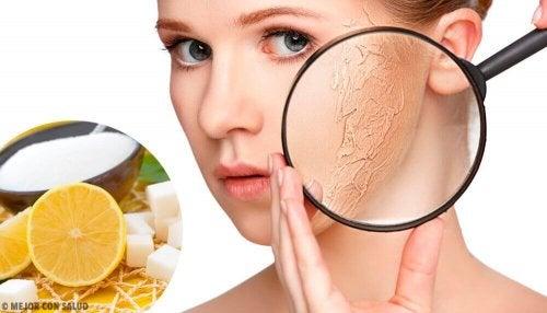 Körperpeeling für trockene Haut