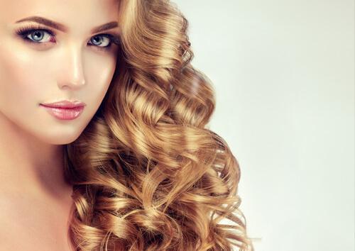 Hausgemachte Behandlungen für voluminöses Haar