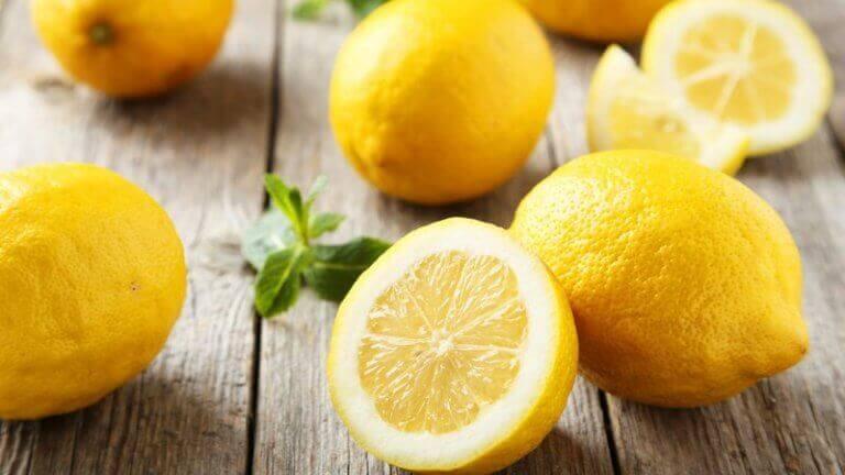 Karottenöl-Masken: Zitronen