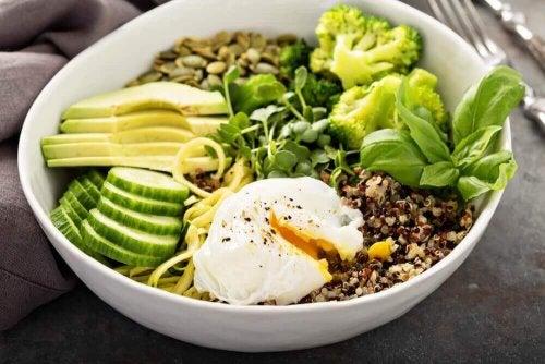 Avocado und andere Gerichte gegen Schlaflosigkeit