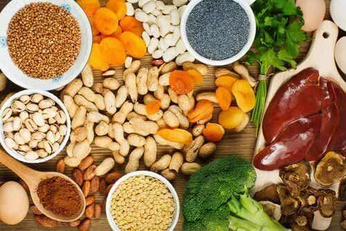 Mit Nahrungsmitteln Eisenspiegel kontrollieren